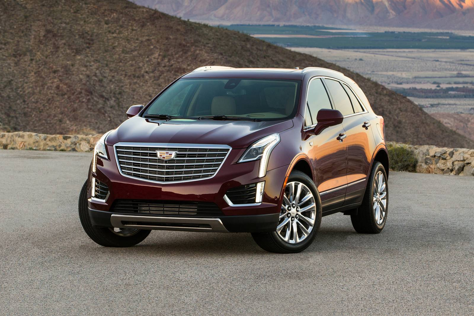 Used 2019 Cadillac Xt5 Suv Review Edmunds