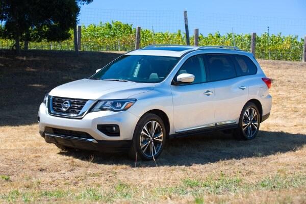 2017 Nissan Pathfinder Platinum 4dr SUV Exterior Shown