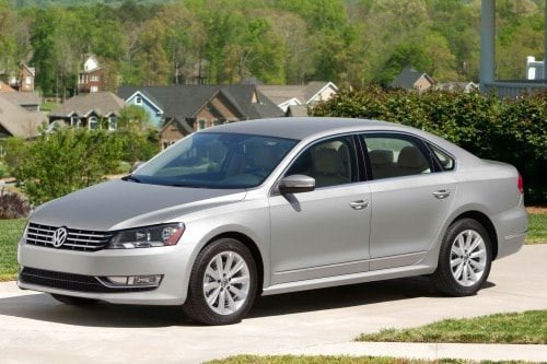 https://i2.wp.com/media.ed.edmunds-media.com/volkswagen/passat/2013/oem/2013_volkswagen_passat_sedan_v6-se_fq_oem_2_500.jpg