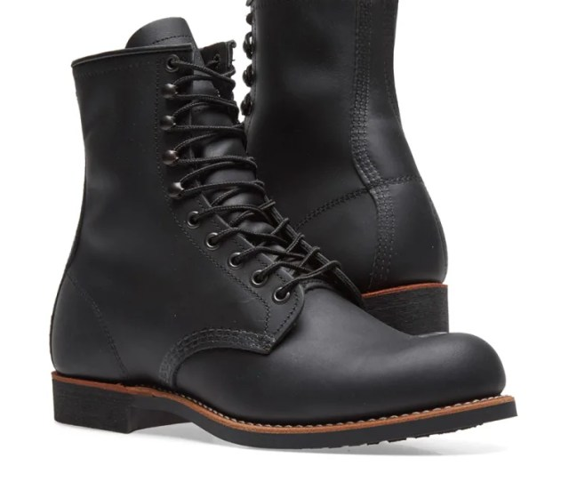 Red Wing  Heritage Work  Harvester Boot Black Harness