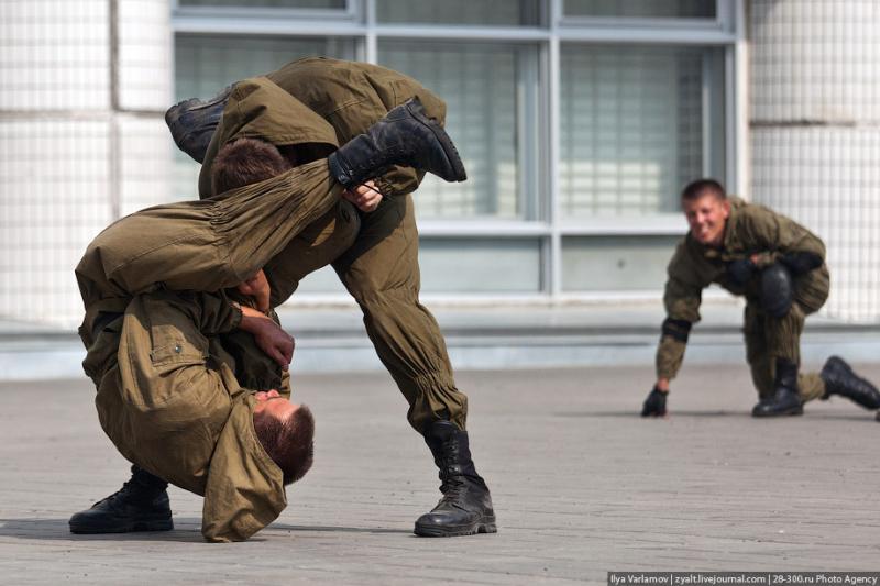 Moscou, 16 SWAT