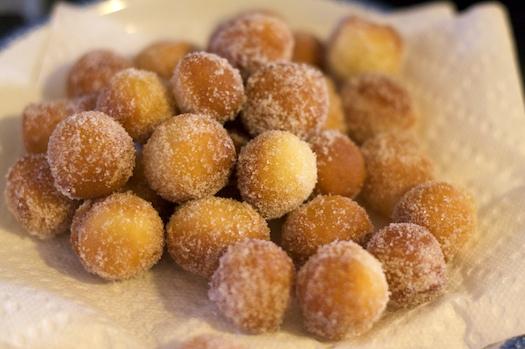 Raised Doughnut Holls