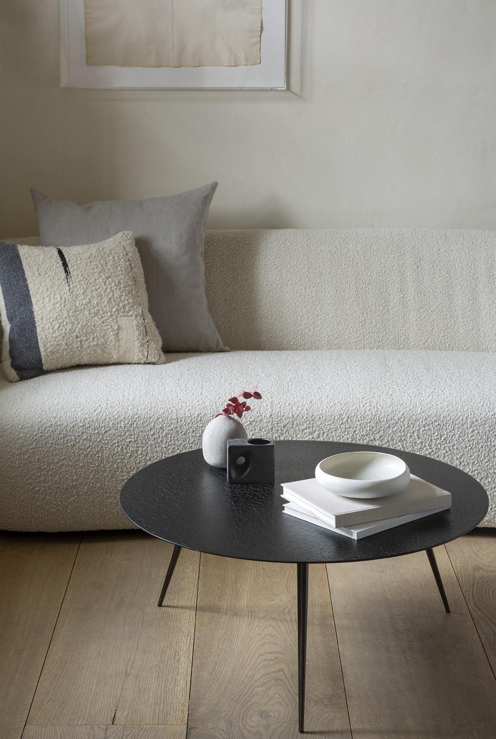 luna coffee table lava black