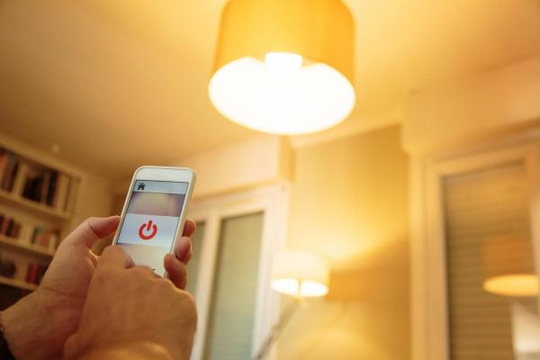 UTSA study warns of security gaps in smart light bulbs