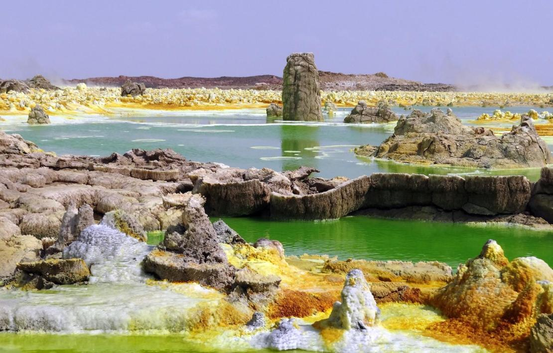 Hyperacid, hypersaline and hot ponds in the geothermal field of Dallol (Ethiopia). Despite the presence of liquid water, this multi-extreme system does not allow the development of life, according to a new study. The yellow-greenish colour is due to the presence of reduced iron.  Credit: Puri López-García