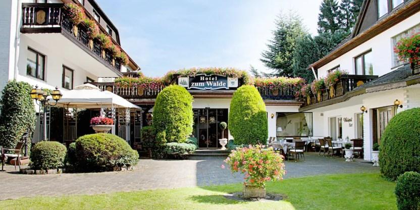 Resultado de imagen para Hotel zum Walde (Alemania)