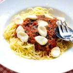 Pastasås med målla, tomat och morot
