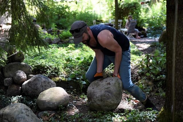 Johannes Wätterbäck baxar stenar Farbror Grön