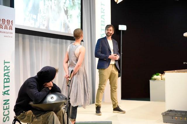 Sara Bäckmo och Johannes Wätterbäck på Nodriska Trädgårdar, livesändning av podcasten Två odlare emellan