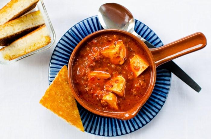 Soppa med tofu tomat quinoa