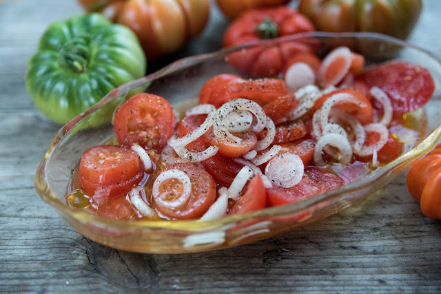 Tomat- och löksallad