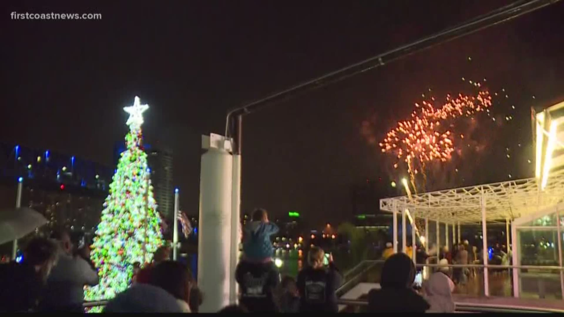 jacksonville christmas tree lighting happens at hemming park as landing waits to be demolished