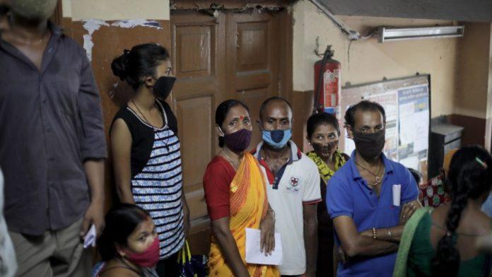 Mortes por Covid na Índia podem ter passado de 4 milhões, estima estudo