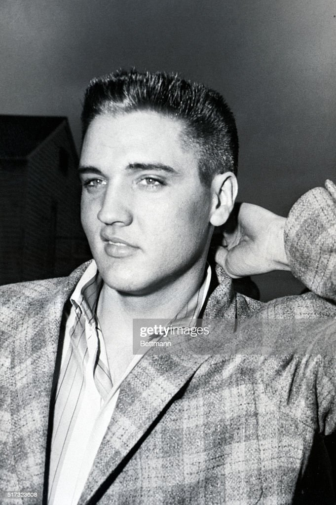 Elvis Presley With Close Crew Cut Pictures Getty Images