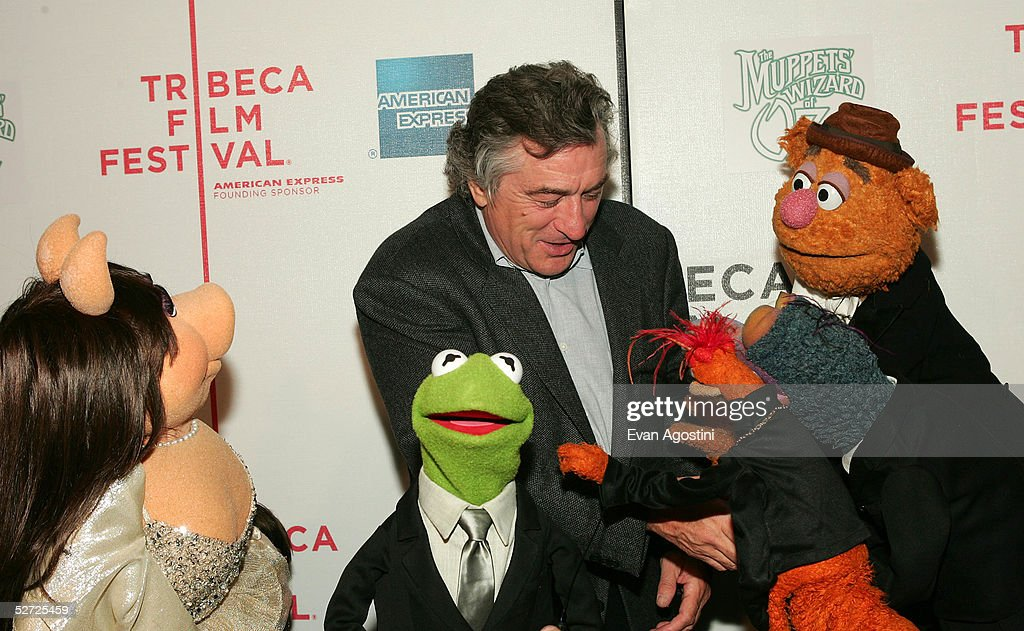 Actor Robert De Niro Miss Piggy Kermit The Frog Pepe The King