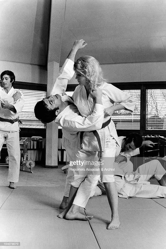 Face Martial Arts Kicking Man Woman