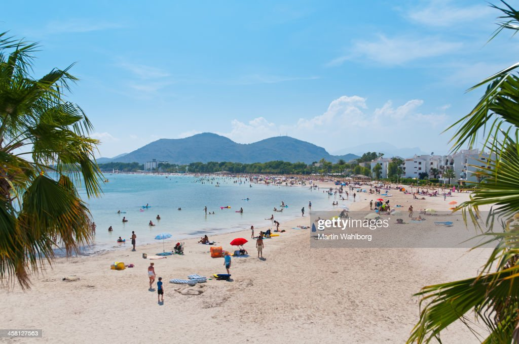 https www gettyimages de fotos bucht von alcudia