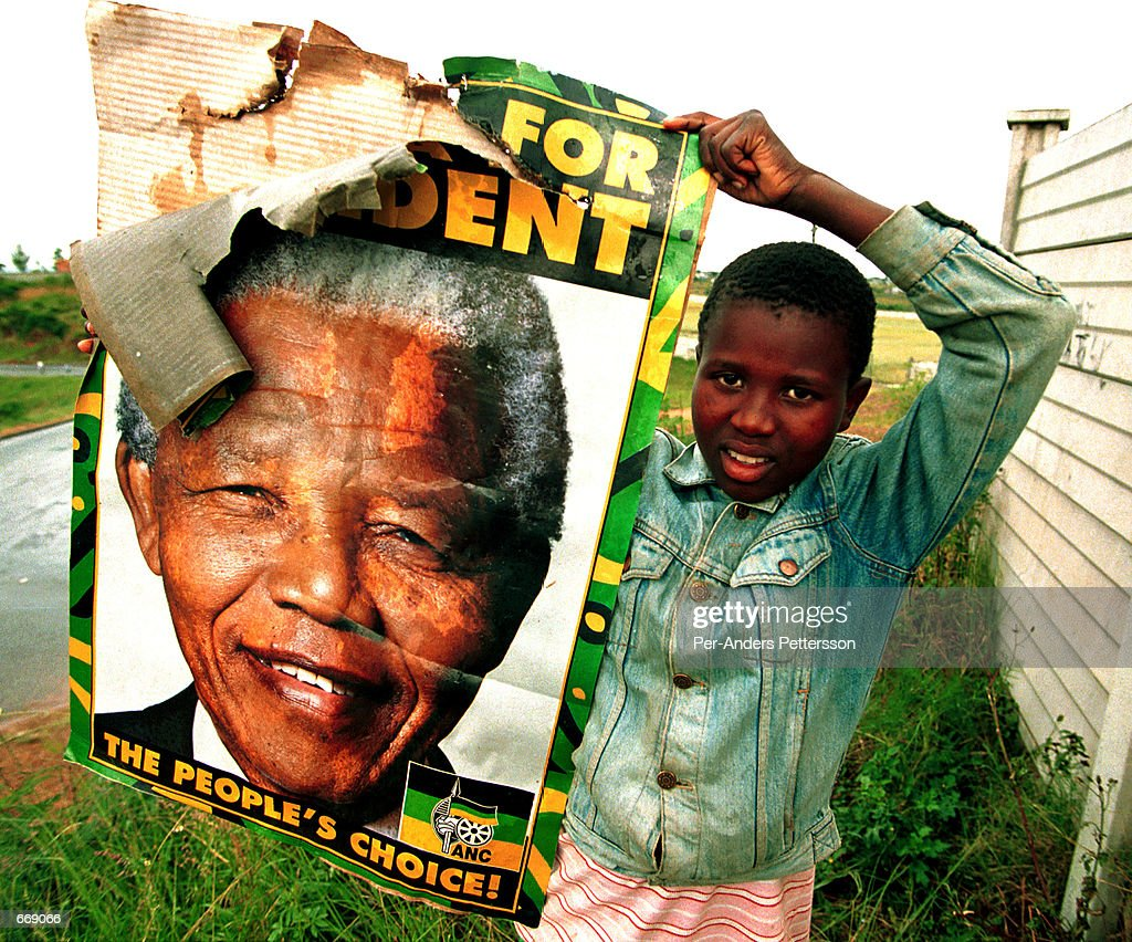 575 mandela poster photos and premium high res pictures getty images