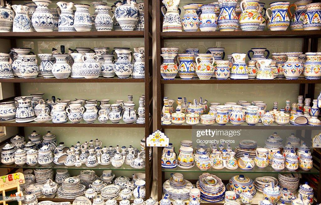 https www gettyimages de detail nachrichtenfoto display of pottery inside santa ana ceramic tile shop nachrichtenfoto 535793229