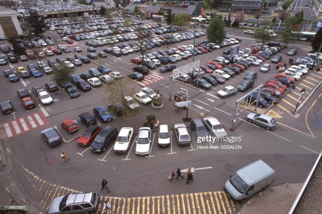 https www gettyimages ch detail nachrichtenfoto parking du centre commercial v c3 a9lizy 2 c3 a0 v c3 a9lizy nachrichtenfoto 1136825557 language fr