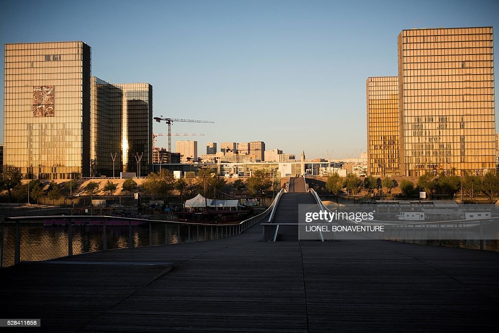 https www gettyimages fi detail news photo the bibliotheque nationale de france is pictured on may 5 news photo 528411658