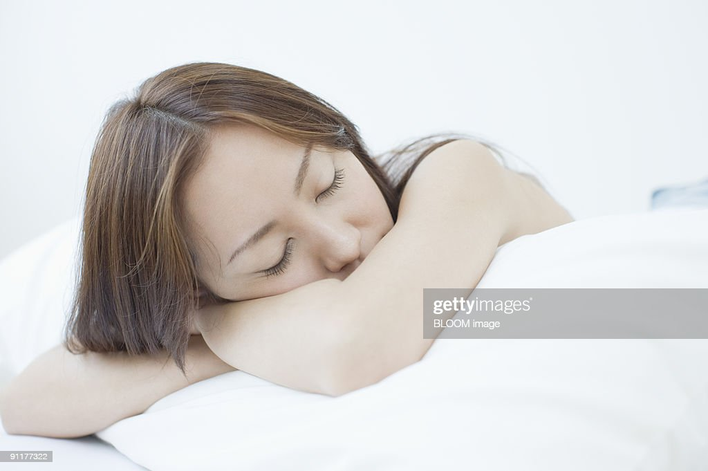 https www gettyimages dk photos face down in pillow