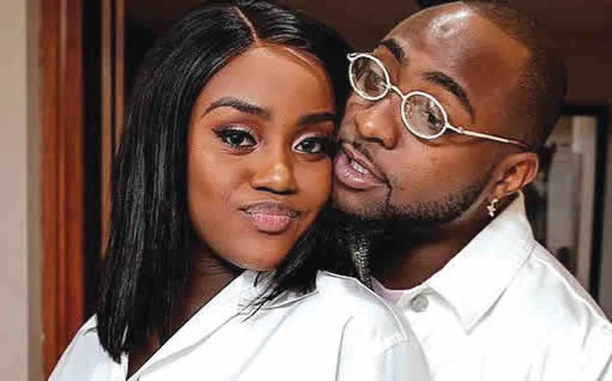 BREAKUP FAKE? Davido And Chioma Spotted Together With Baby Ifeanyi ...