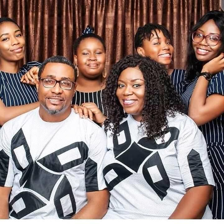 Veteran Actor, Tony Umez Flaunts His Wife And Four Grown-up Daughters In This Big Family Photo