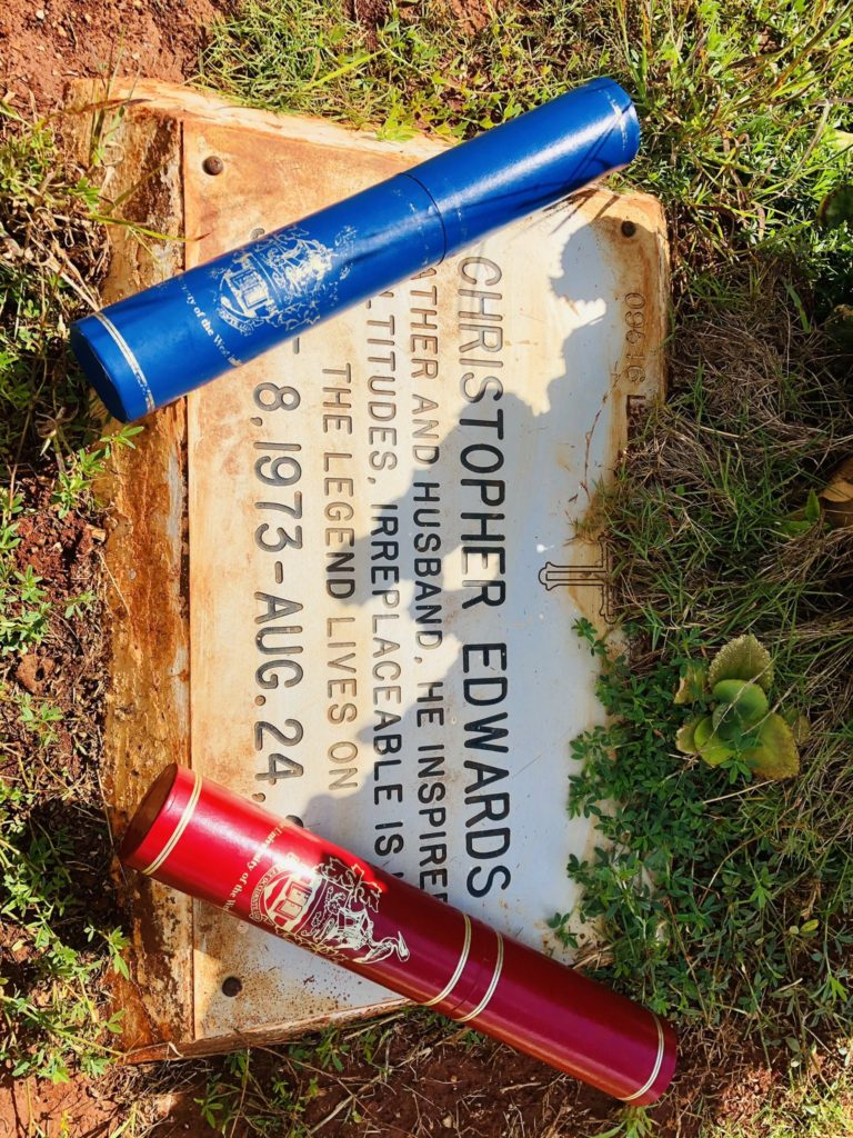 """""""I Did It Daddy"""" – Lady Presents 2 Degrees She Bagged To Her Late Father At His Grave (PHOTOS)"""