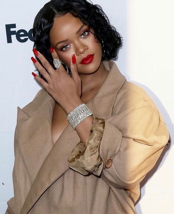Rihanna Allegedly Sued For Given A Free Promo In Her Recent Fenty Advert