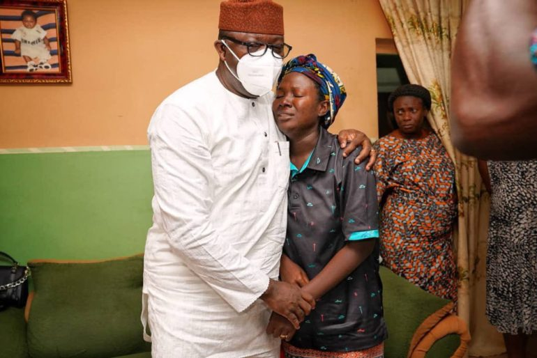 Governor Fayemi Visits Wife of Air Force Personnel Who Died In The Military Plane Crash (PHOTOS)