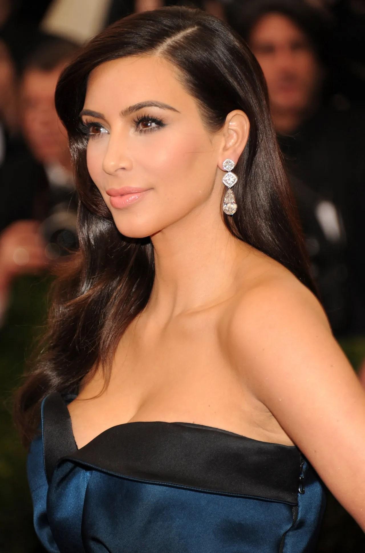 3 Past Looks Kim Kardashian s Wedding Makeup Artist Mario