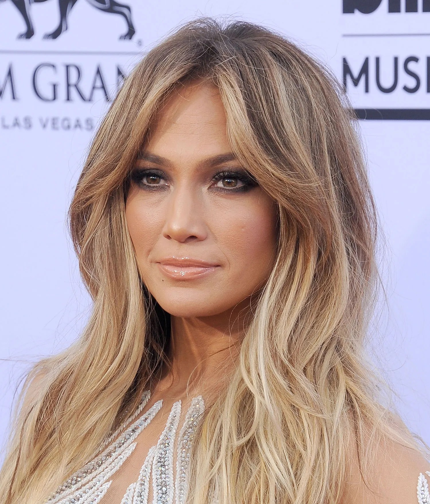 Haircut News Jennifer Lopez Chopped Her Hair f Into a Short Style
