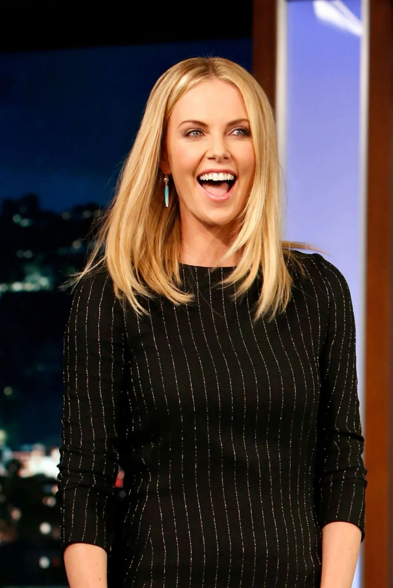 Charlize Theron Just Chopped Her Hair Super Short Glamour