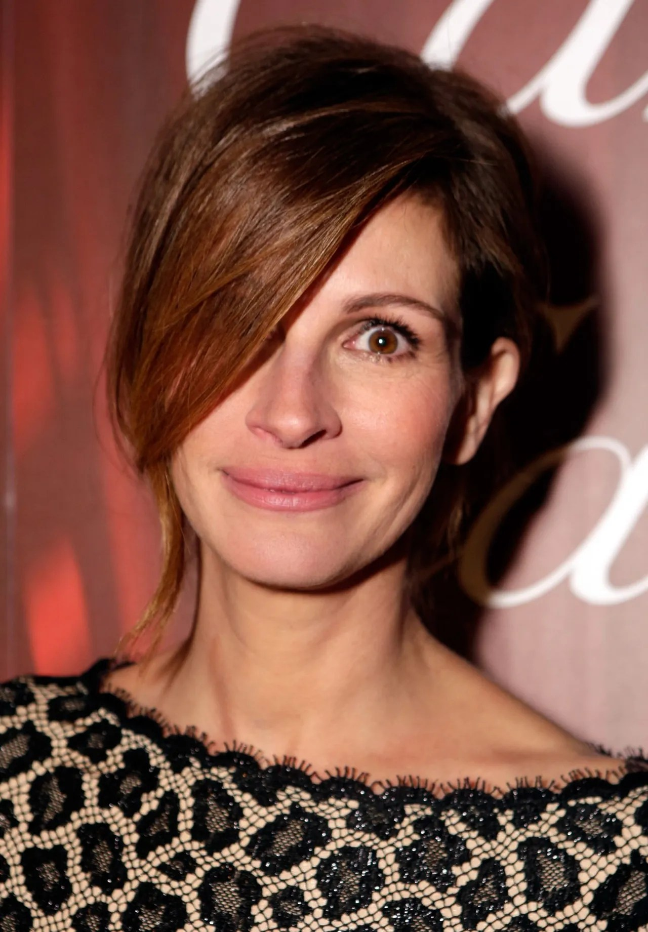 Did Julia Roberts Pull Off This Unusual Hairstyle Glamour