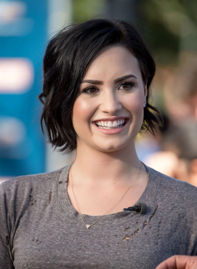 demi lovato's short haircut: celebrity beauty ideas | glamour