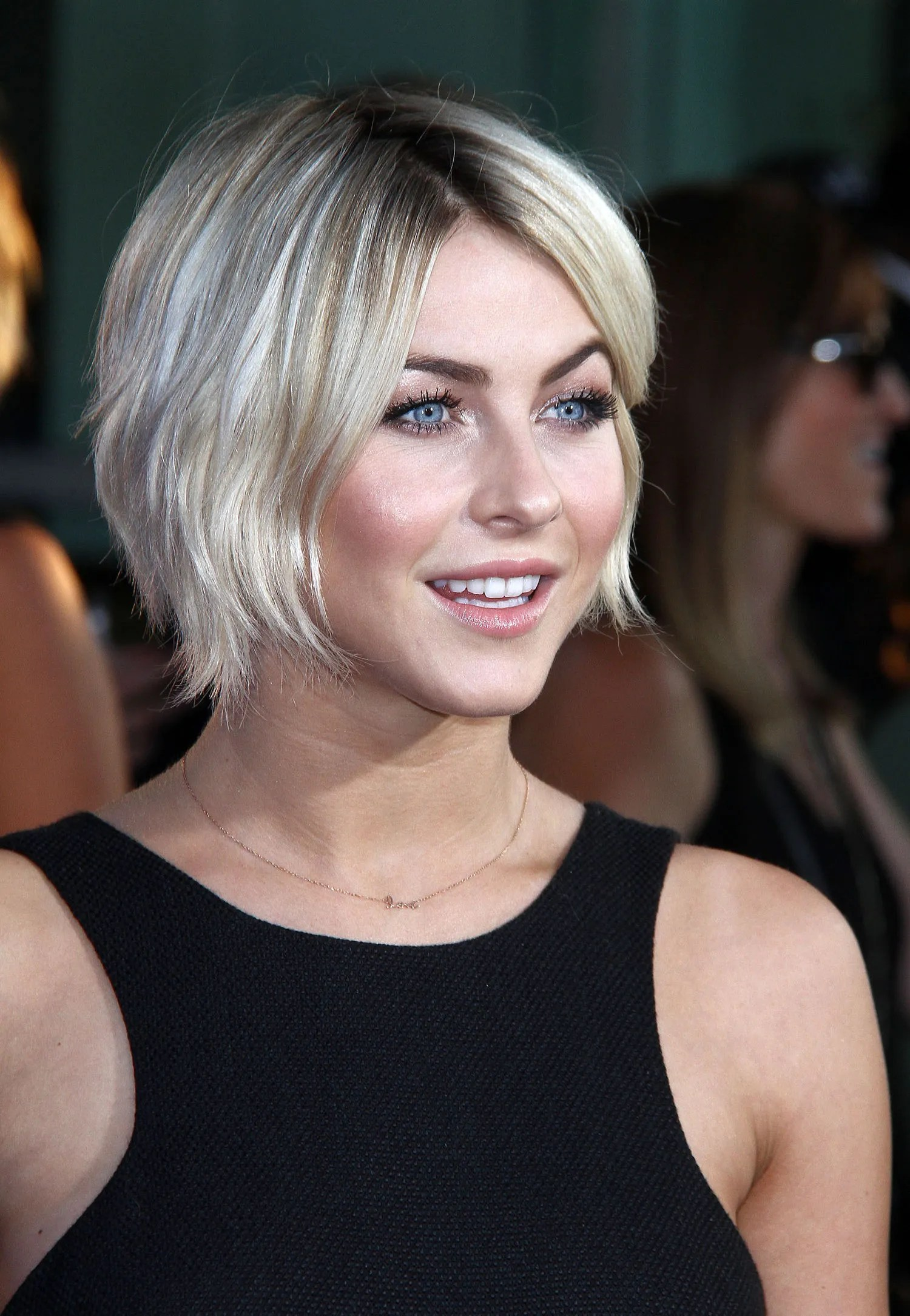 Transition Hairstyles For Growing Out Short Hair Page 1