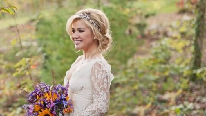 kelly clarkson wedding headpiece, wedding accessories