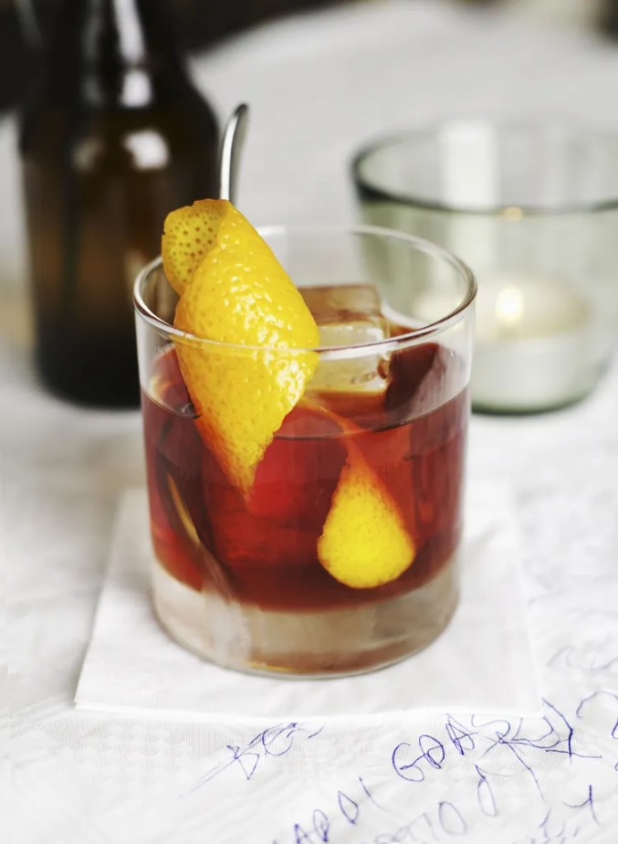 Classic Cocktail Recipes: Easy Cocktail Ideas | Glamour