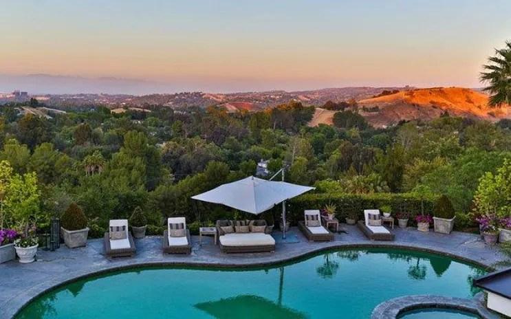 jlo-home-listing-backyard-view.jpg