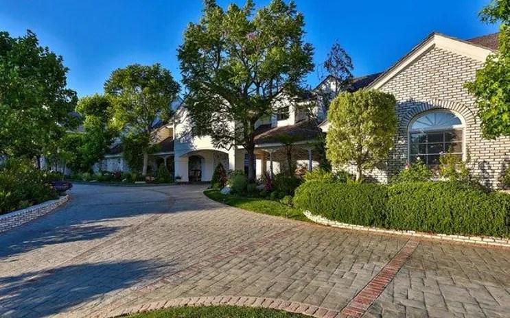 jlo-home-listing-front-door.jpg