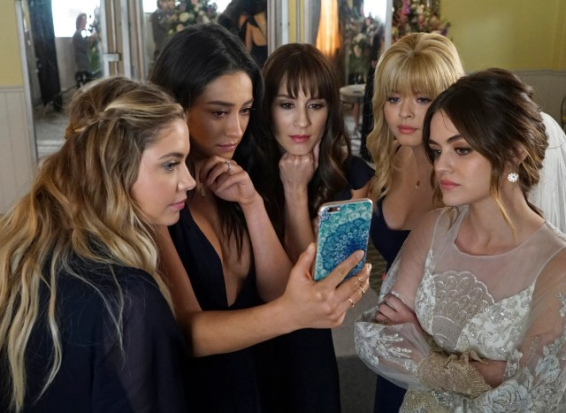 11 things about the 'pretty little liars' finale that were