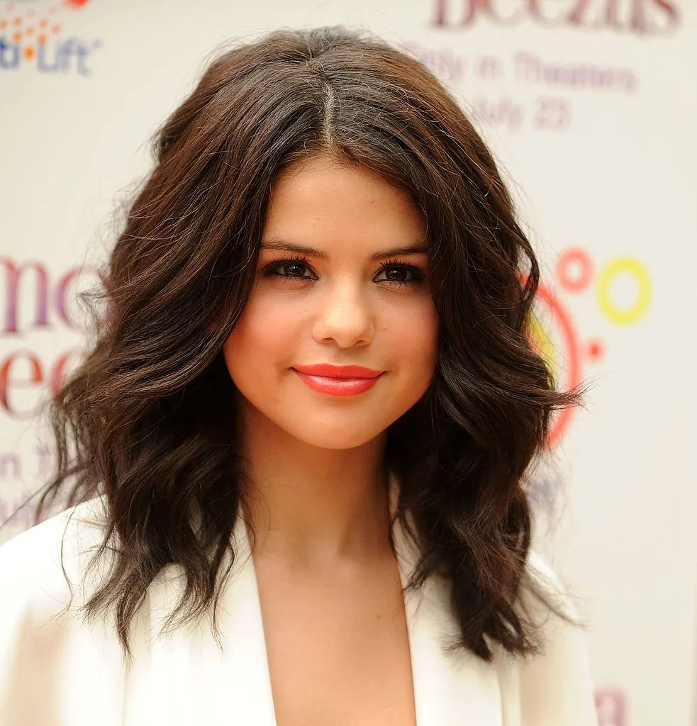 Selena Gomezs Hair Has Changed So Much In The Past 10