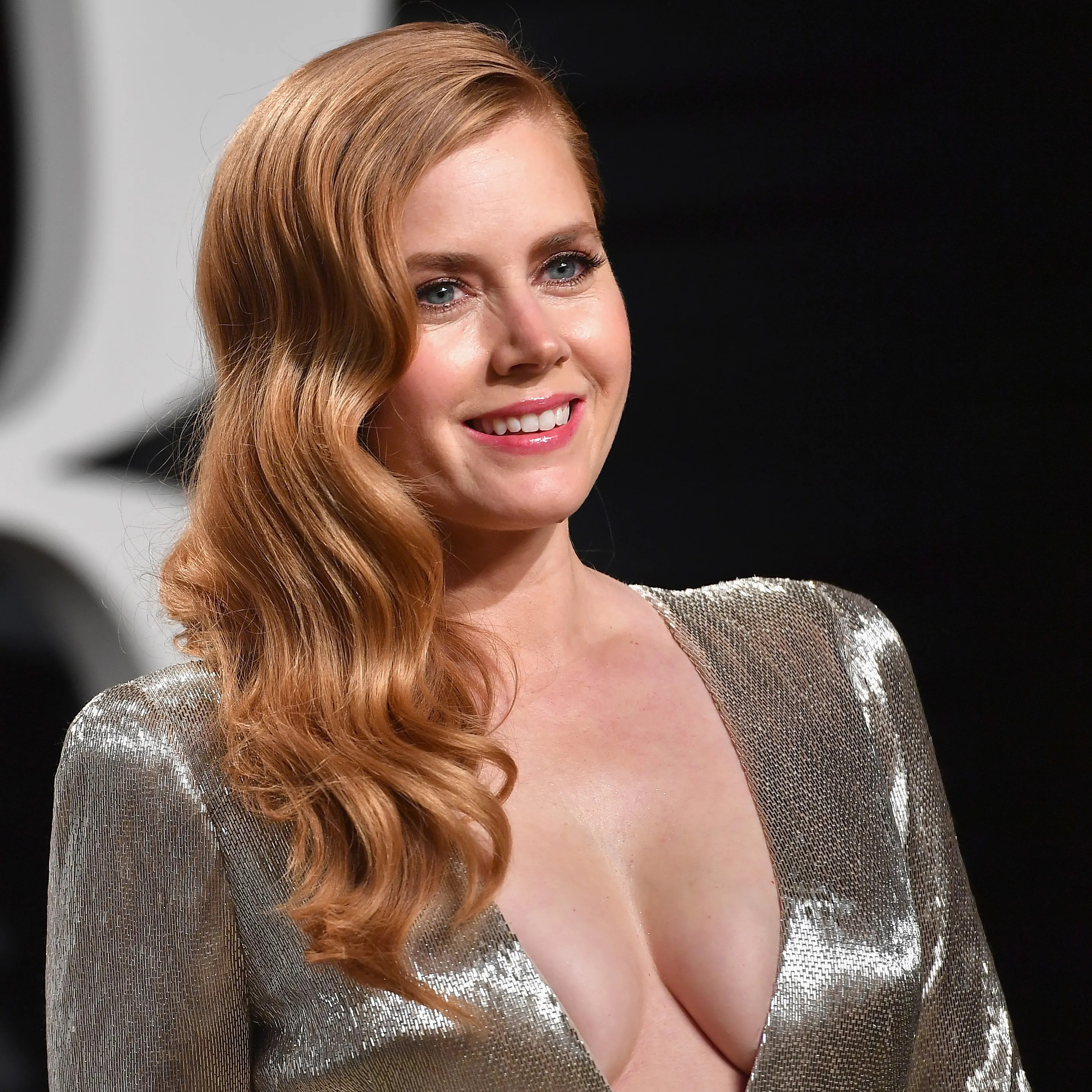 Amy Adams New Hbo Show Looks Like A Creepy Mix Of Big Little Lies And Gone Girl Glamour