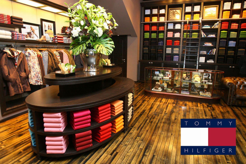 Die Corona Einkaufsregeln Bei H M Zara Co Tommy Hilfiger Offnet Wieder Glamour