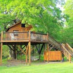 Tree House Missouri Ozarks Glamping Hub