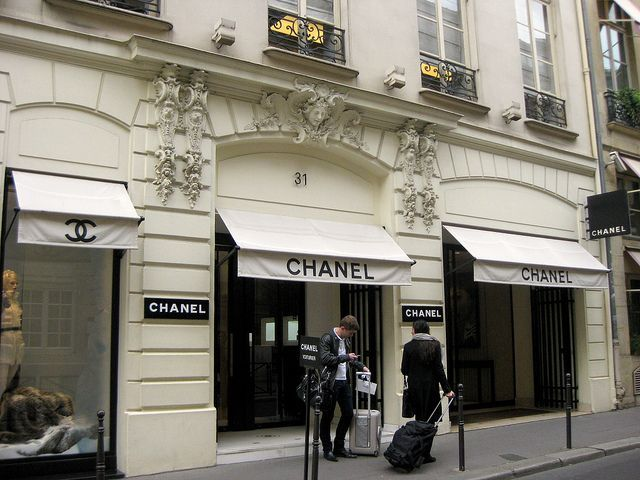 Chanel Boutique 31 Rue Camb Chanel Office Photo