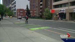 Edmonton city council approves downtown bike lane network (01:59)