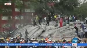Frantic scenes as rescuers dig for survivors following Mexico quake