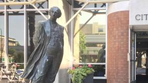 Victoria set to remove statue of John A. MacDonald from city hall
